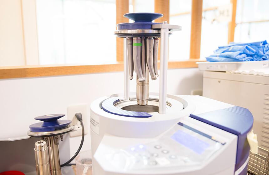 ハンドピース専用の滅菌器「DACユニバーサル」